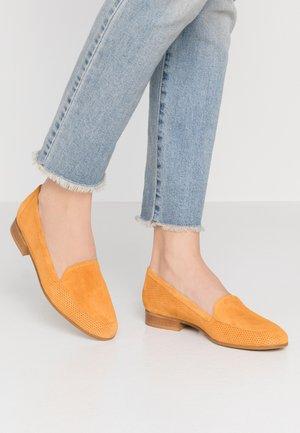 Nazouvací boty - curcuma