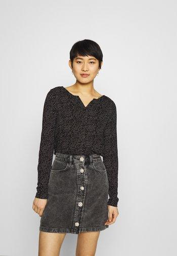SANDRI - Långärmad tröja - black