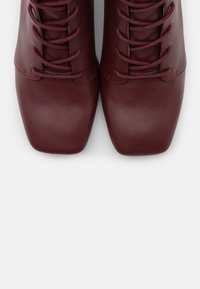 Monki - VEGAN THELMA BOOT - Lace-up boots - whine red - 5