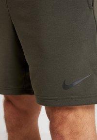 Nike Performance - DRY SHORT  - Pantalón corto de deporte - cargo khaki/black - 5