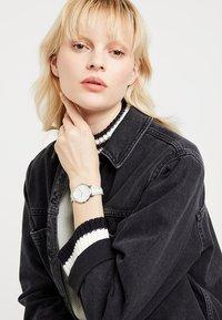 Rebecca Minkoff - Watch - weiss - 1