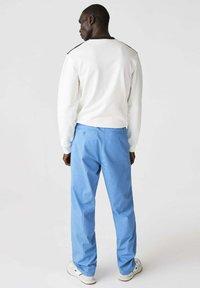Lacoste - Trousers - blau - 2