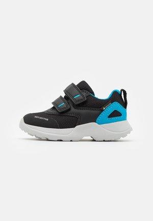 RUSH - Trainers - schwarz/blau