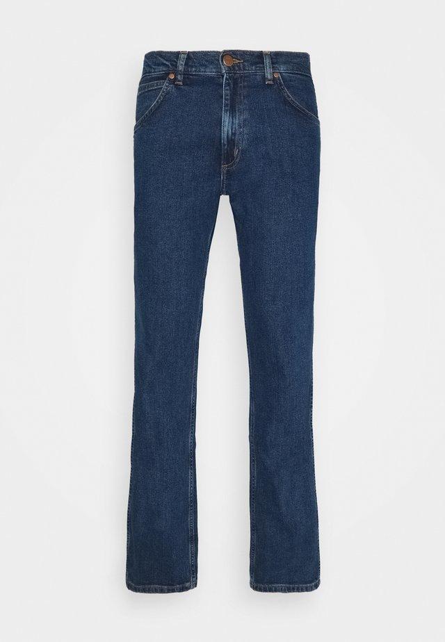 GREENSBORO - Straight leg jeans - ride on