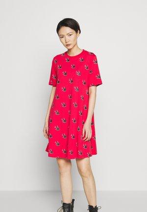 BABYDOLL DRESS - Jersey dress - rouge