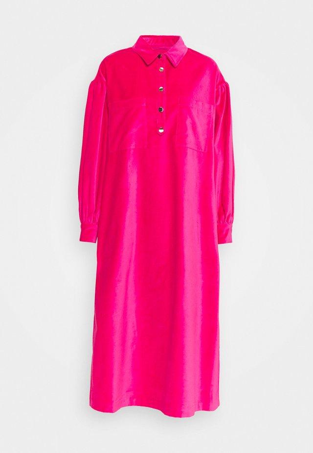 CARIN - Vestido camisero - fuchsia pink