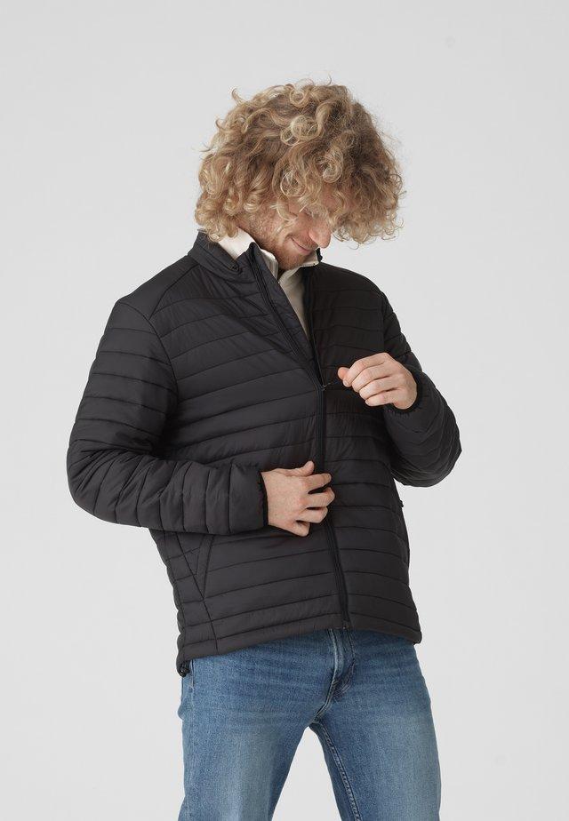 SHELTER LINER  - Gewatteerde jas - jet black