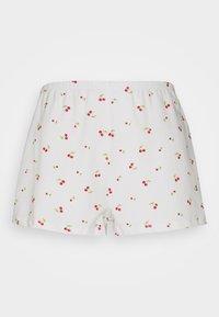 Glamorous Petite - RELAXED FIT MINI - Shorts - white - 0