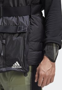 adidas Performance - URBAN COLD RDY OUTDOOR VEST - Waistcoat - schwarz - 4