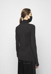 Proenza Schouler White Label - SHEER STRETCH TNECK MASK - Pitkähihainen paita - black - 2