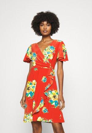 GLADYS - Žerzejové šaty - hibiscus/yellow/multi