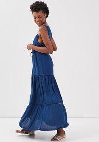 BONOBO Jeans - MIT RÜSCHEN - Maxi dress - bleu marine - 3