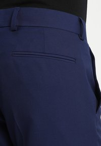 Isaac Dewhirst - FASHION SUIT - Completo - blue - 9