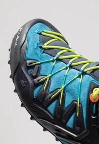 Salewa - MS WILDFIRE EDGE - Climbing shoes - premium navy/fluo yellow - 5
