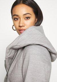 ONLY - ONLCANE COAT - Krátký kabát - light grey melange - 3