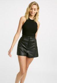 Kookai - Shorts - z2-noir - 0