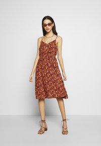 Blendshe - BSPRIA DRESS - Kjole - bordeaux - 1