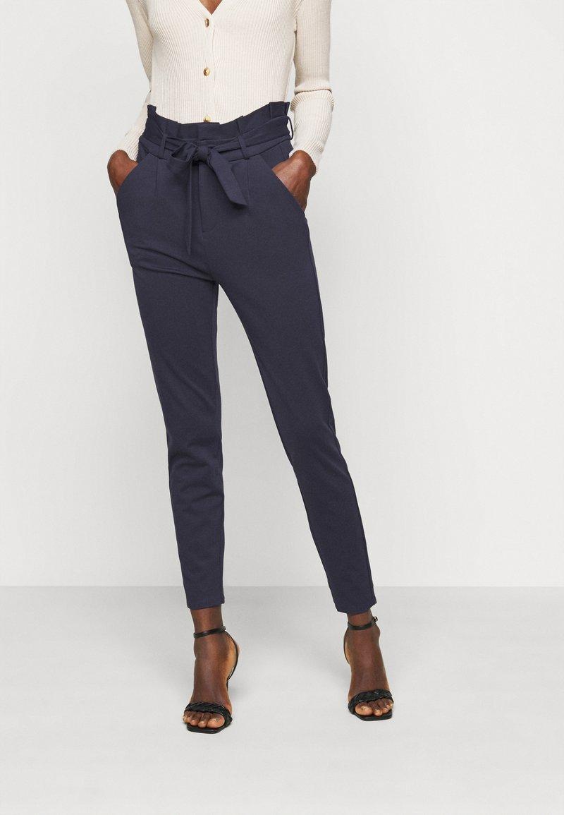 Vero Moda Tall - VMEVA PAPERBAG PANT - Trousers - night sky