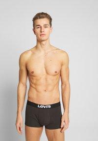 Levi's® - MEN SOLID BASIC TRUNK 2 PACK - Panties - jet black - 2