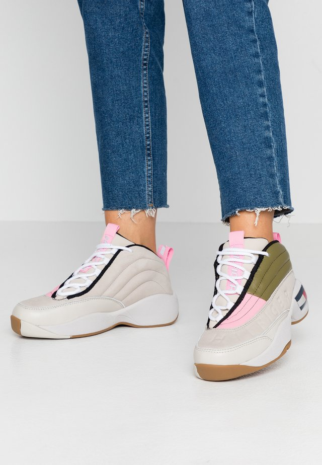 WMNS THE SKEW HERITAGE SNEAKER - High-top trainers - pumice stone