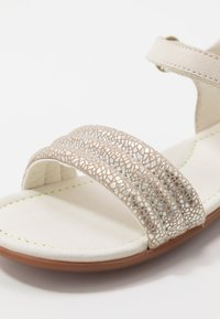 Camper - RIGHT KIDS - Sandály - silver - 2