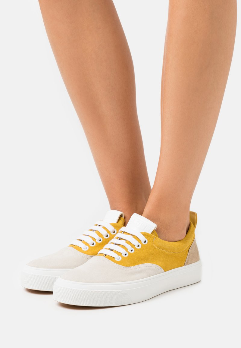 CLOSED - CHILLI - Trainers - strong mustard