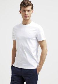 Michael Kors - Basic T-shirt - white - 0