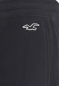 Hollister Co. - Pantalones deportivos - black - 5