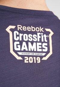 Reebok - TEE  - T-shirt imprimé - dark blue - 5