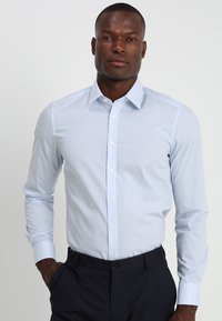 OLYMP - OLYMP LEVEL 5 BODY FIT  - Formal shirt - light blue - 0