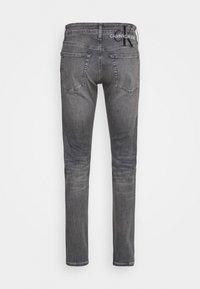 Calvin Klein Jeans - SLIM FIT - Slim fit jeans - denim grey - 8