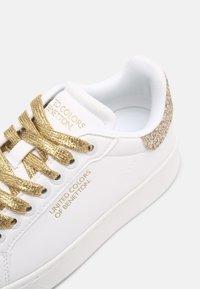 Benetton - TRIPLE GLIT - Sneakers basse - white/gold - 7