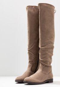 Tamaris - Kozačky nad kolena - beige - 4
