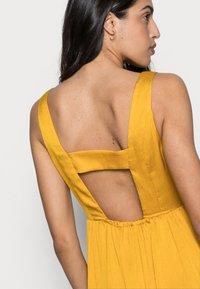 NAF NAF - PALERME - Denní šaty - moutarde - 3