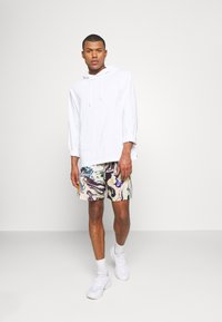 Vintage Supply - PULL ON IN TRIPPY OIL SLICK PRINT UNISEX - Shorts - multi coloured - 1