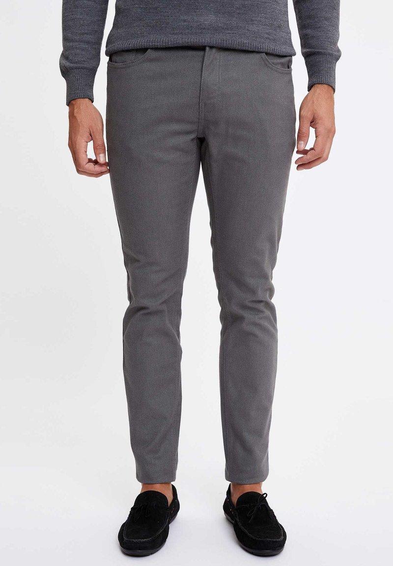 DeFacto - Tygbyxor - grey