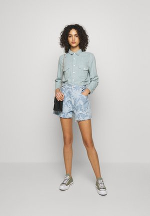 SHRUNKEN - Button-down blouse - blue mesa