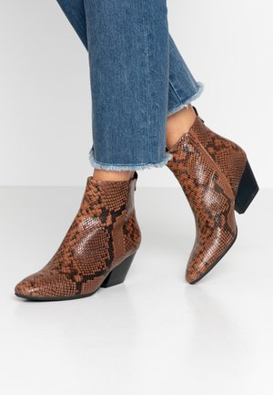 CLEO SNAKE - Ankle Boot - brown