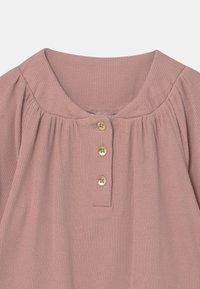 Name it - NMFDIDDELINE - Langærmede T-shirts - light pink - 2