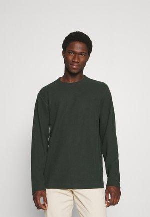 SLHBARTS CREW NECK - Stickad tröja - darkest spruce