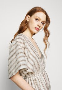 Tory Burch - STRIPED CAFTAN - Maxi dress - ivory/anise brown - 3