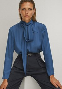 Massimo Dutti - WITH TIE DETAIL - Blouse - blue - 4