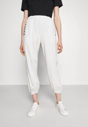 EL PASO JOGGING MANO - Spodnie treningowe - white