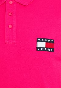 Tommy Jeans - BADGE LIGHTWEIGHT - Polo shirt - pink - 2