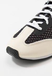 adidas by Stella McCartney - BOXING SHOE - Treningssko - black/white/footwear white/pearl grey - 6