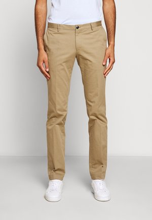GERALD - Pantalones chinos - medium beige