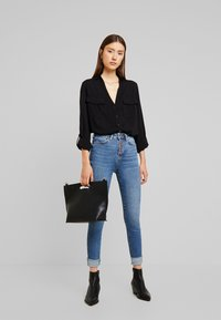 New Look - EARNIE UTILITY PATCH POCKET - Blouse - black - 1