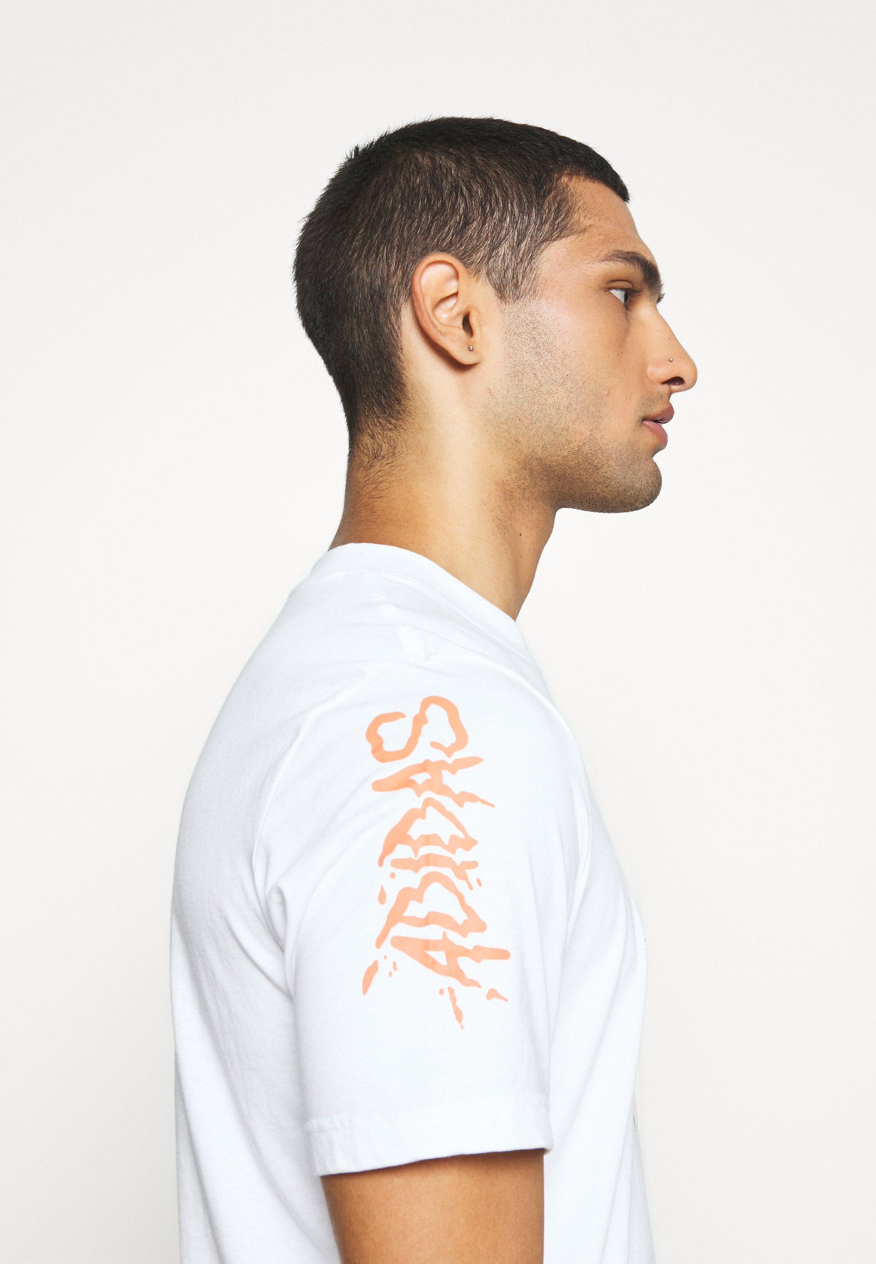 adidas Originals TEE - Print T-shirt - white 970uV
