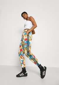 adidas Originals - TRACK PANTS - Joggebukse - multicolor - 4