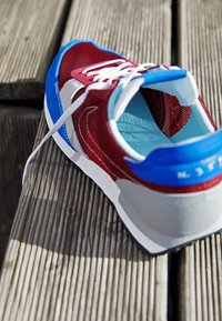 Nike Sportswear - DBREAK TYPE UNISEX - Trainers - team red/racer blue/light smoke grey/glacier ice - 2